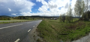 Sun comes out on the 86, pedalling to Sundsvall