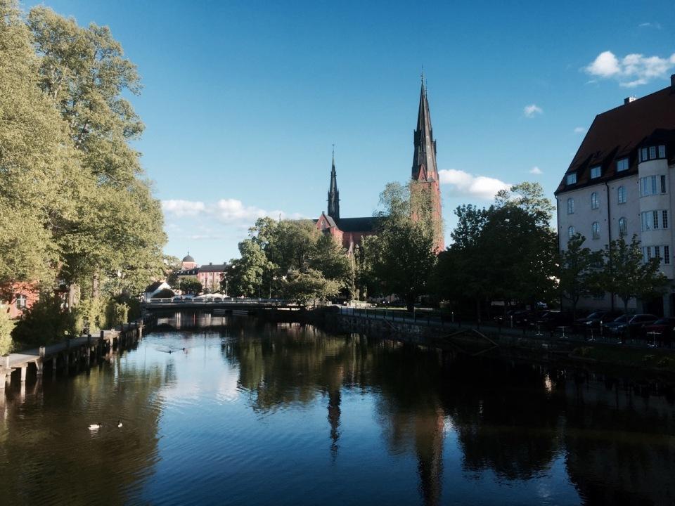 Riding into Uppsala alongside the river
