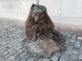 The homeless fox - sculpture by Laura Ford