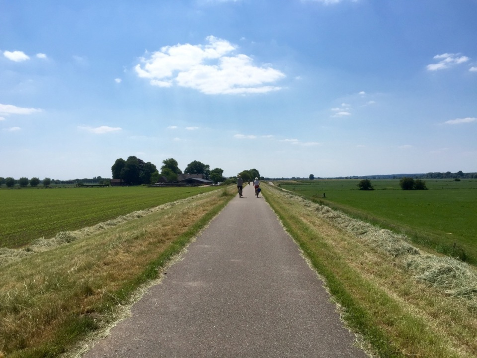 Wonderful cycle path alongside the river IJssel