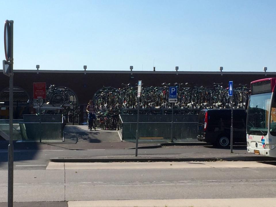 Nijmegen - massive bike parking spot
