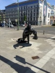 Brussels - policeman being tripped up by person emerging from sewer