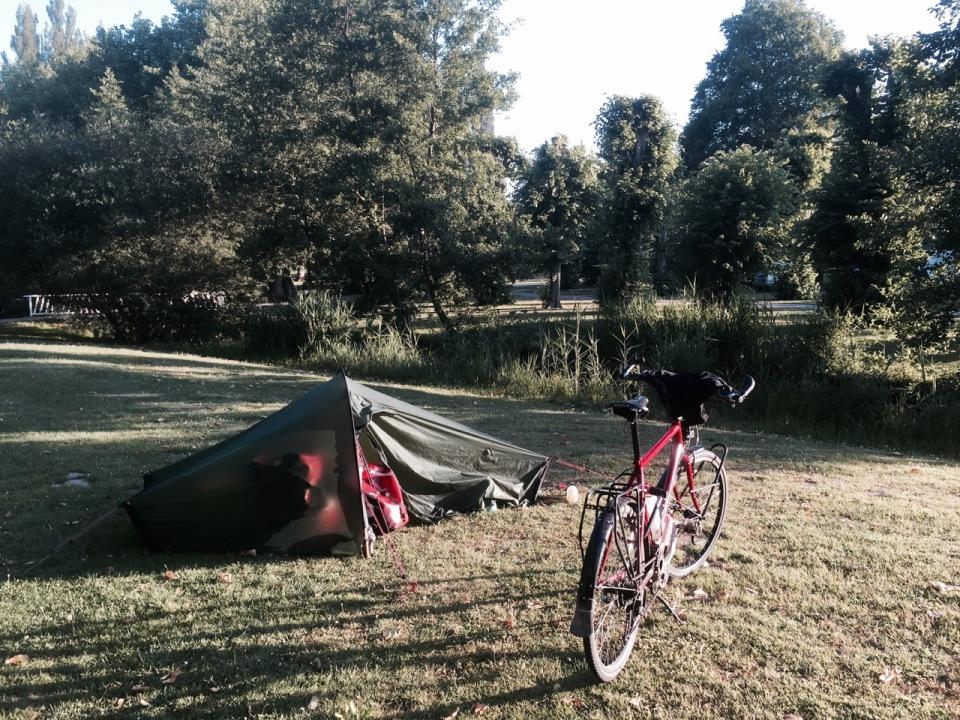 Camping Vic-sur-Aisne at La Croix du Vieux Pont