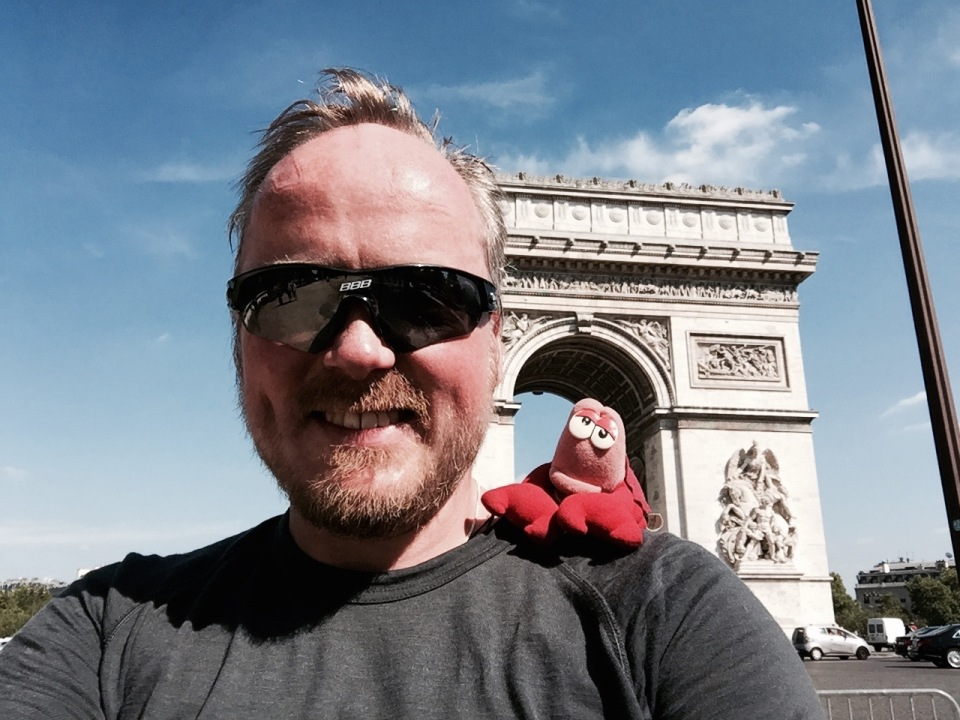 Me and Lobster at Arc de Triomphe