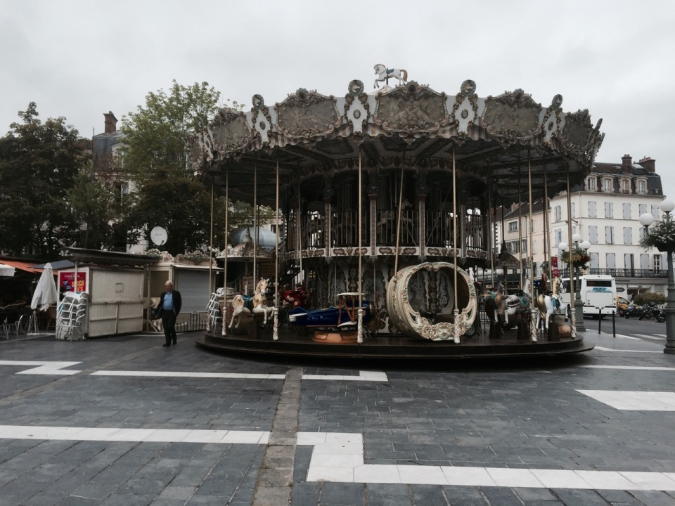 Fontainebleau carousel