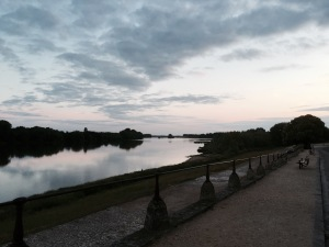 Dusk falls on the Loire