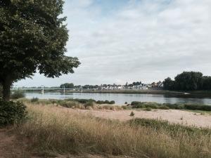 Leaving Chateauneuf-sur-Loire