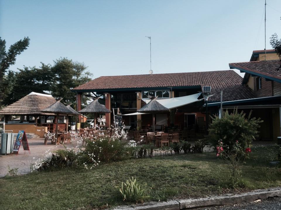 Bar and restaurant at Camping-du-Lac