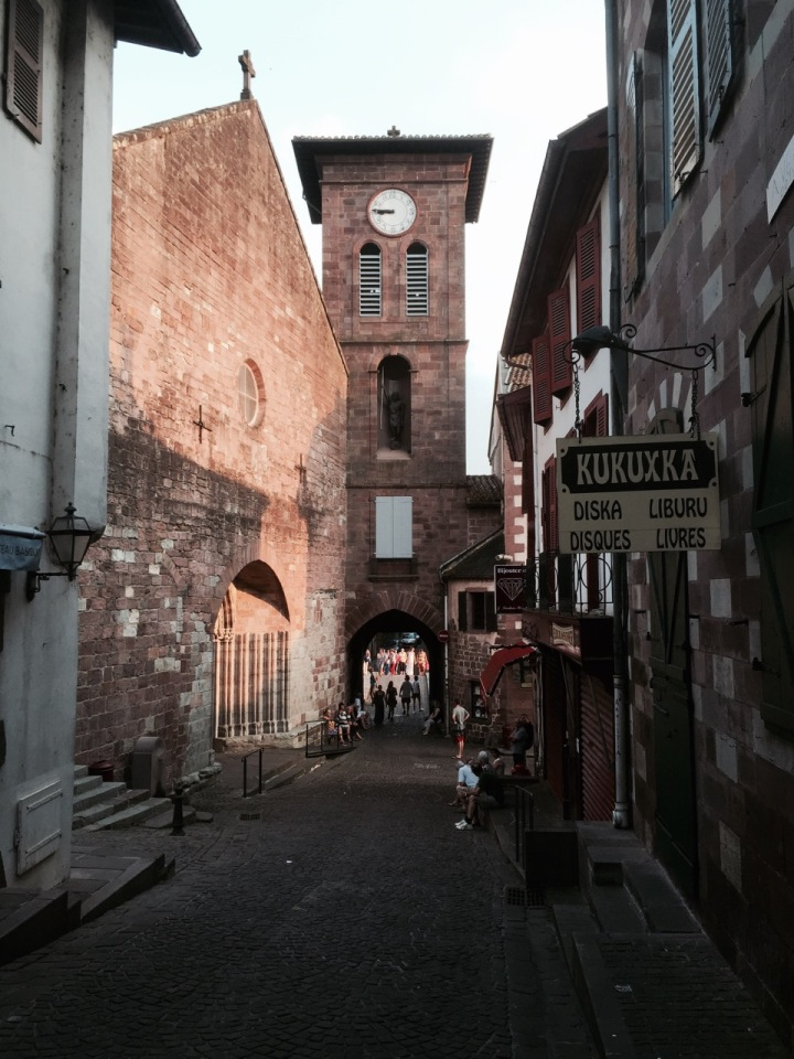 St-Jean-Pied-de-Port - narrow streets and church