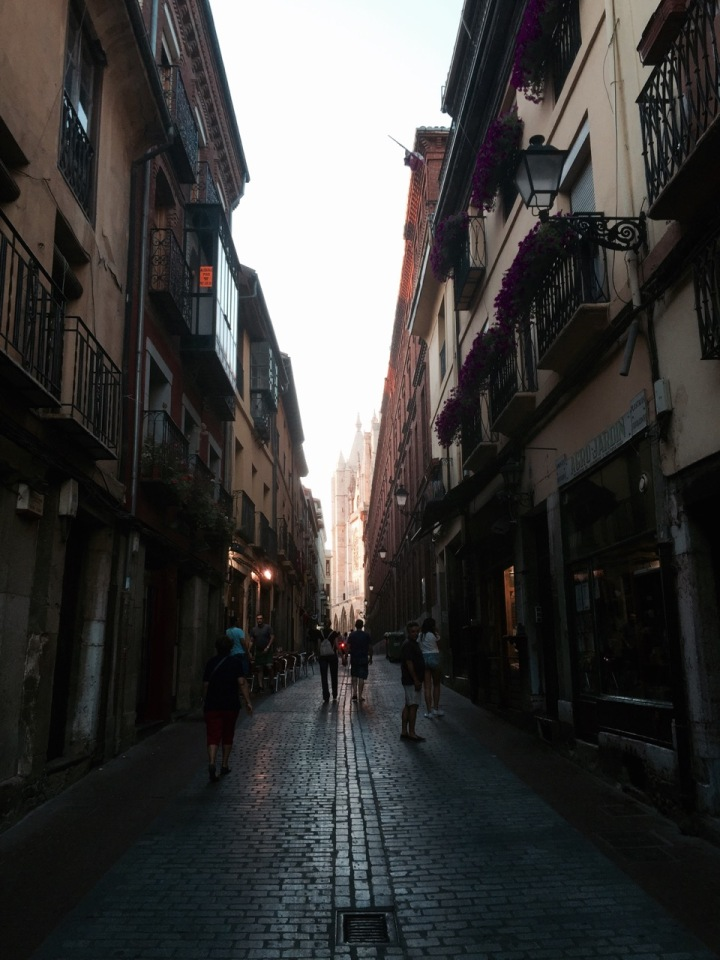 Narrow street leading up to cathedral