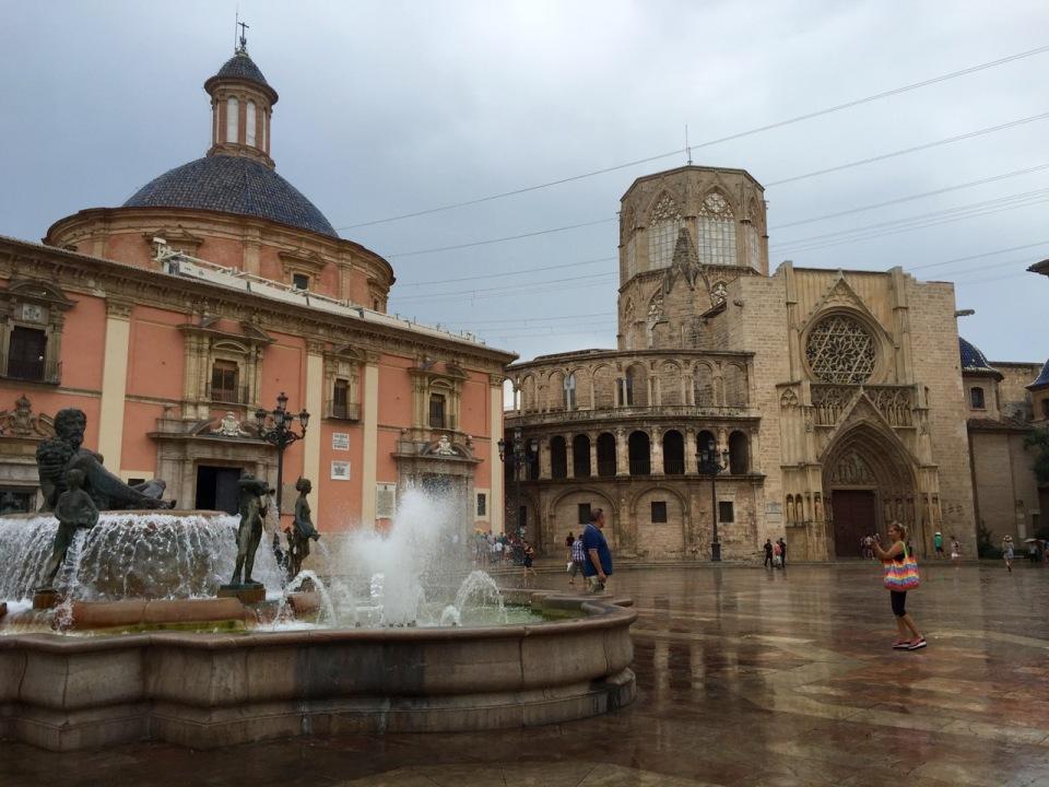 Valencia fountain and Church