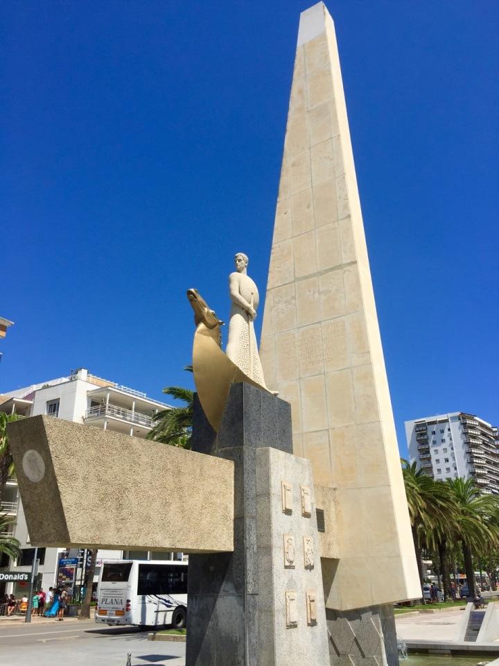 Statue on wide promenade to Salou, Catalonia