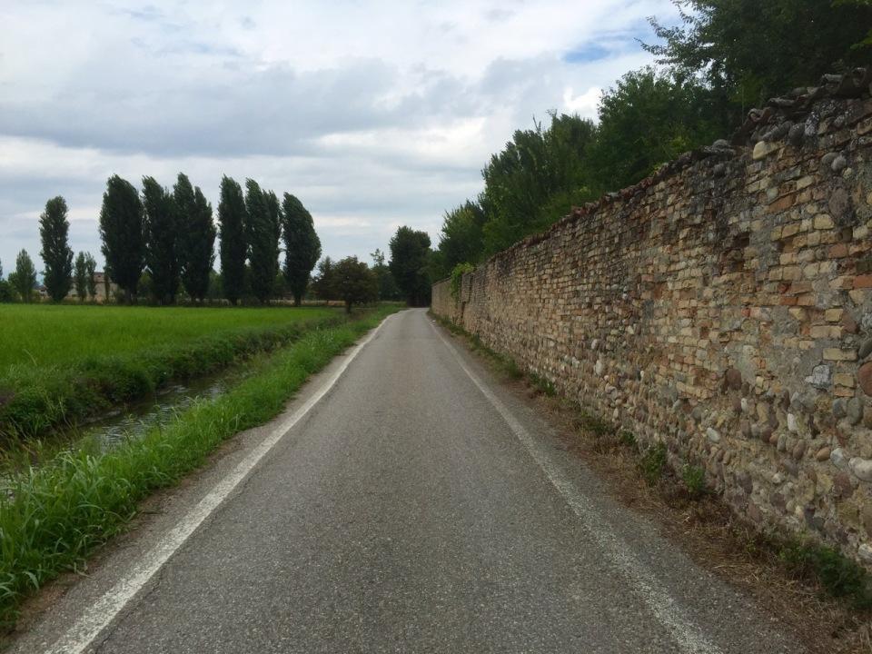 Following quieter roads, Medole
