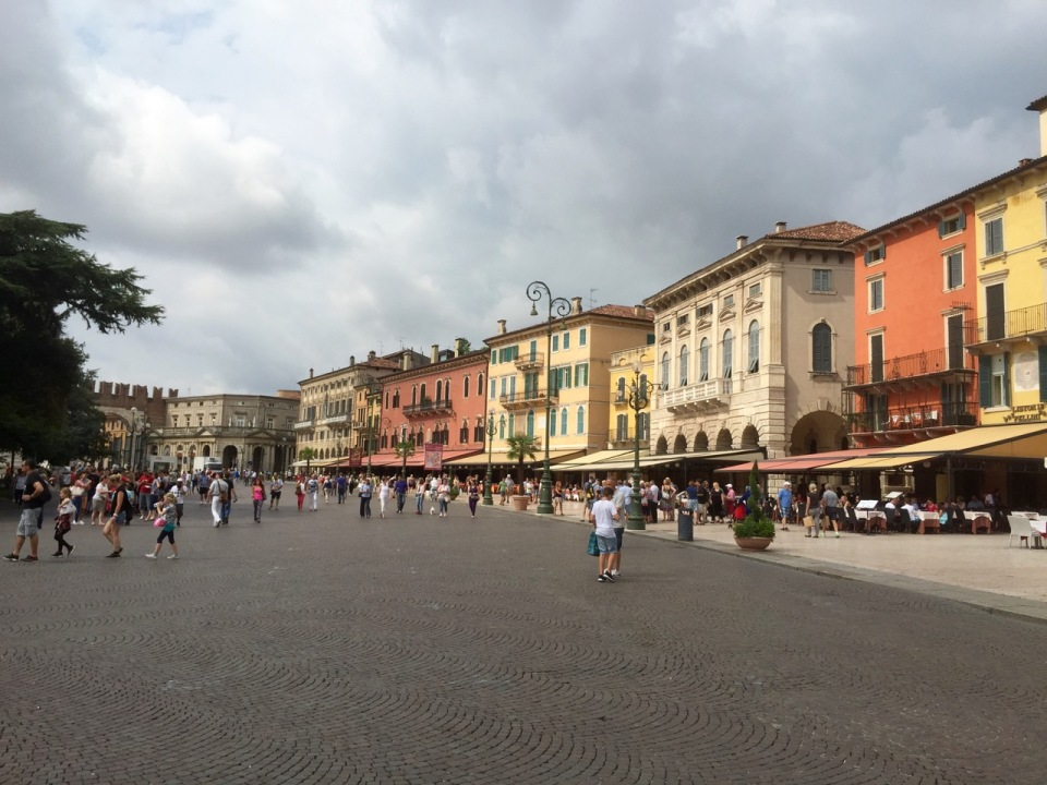 Verona city centre 2 - pretty buildings