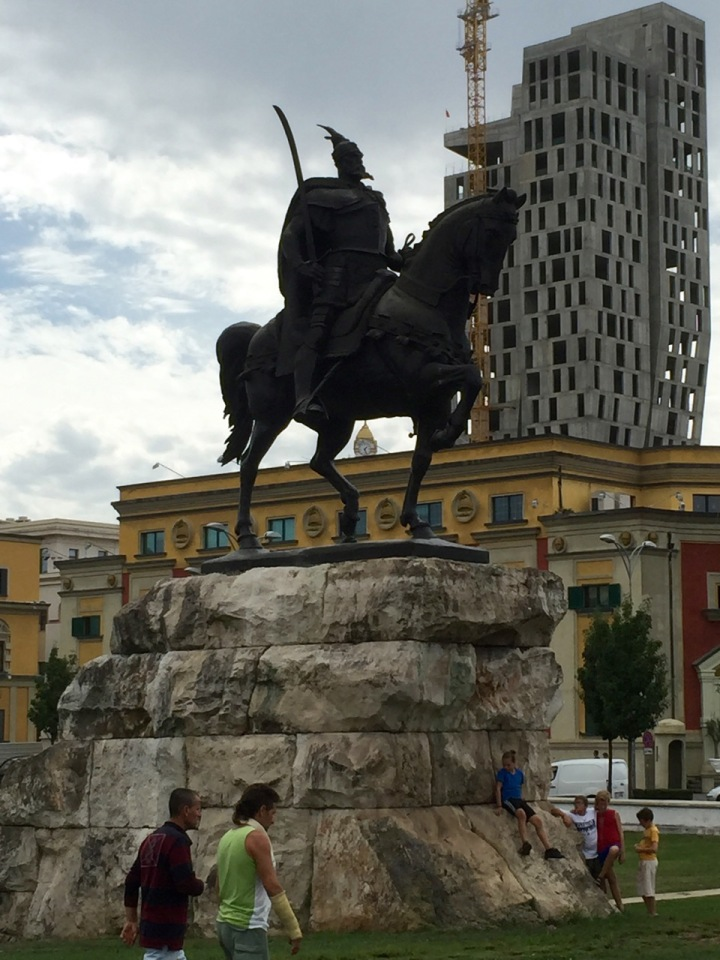 Tirana - imposing looking statue 2