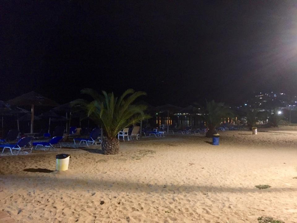 Beach next to Paradiso camping