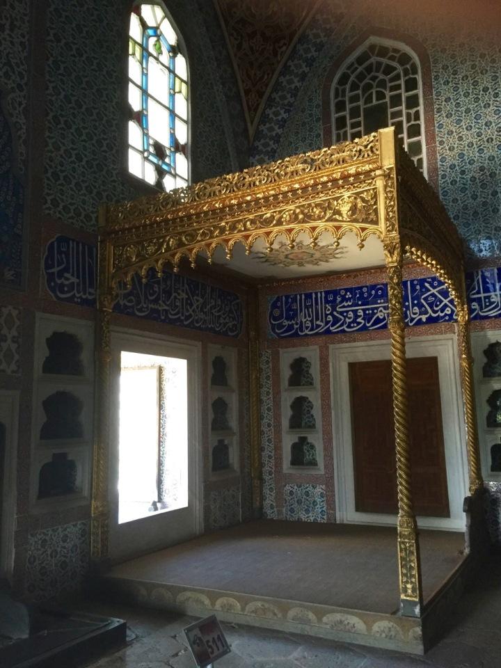 Harem bed chamber