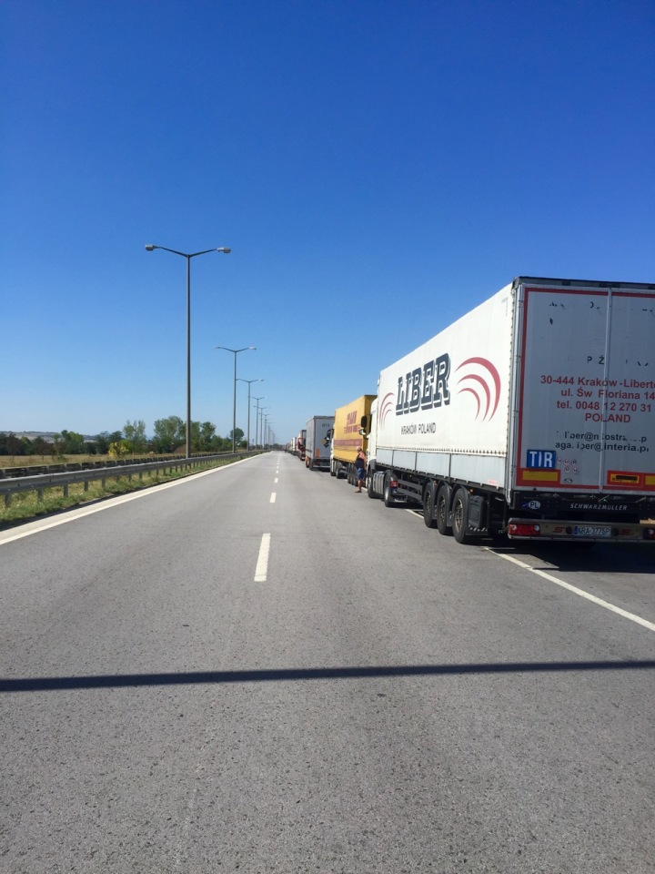 Apparently the lorry queue is normal, and not migrant related