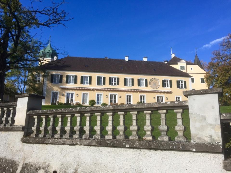 Impressive building in Rennertshofen