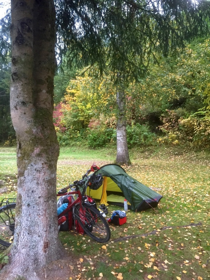 Morning in Langenwald; tent damp again