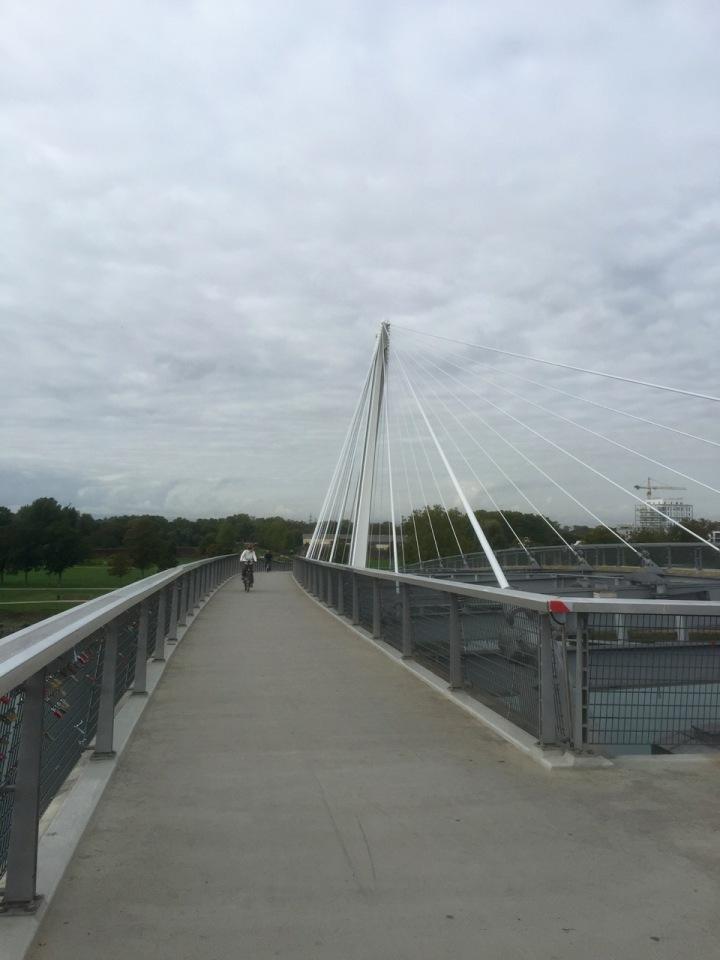 Handy bridge to facilitate crossing