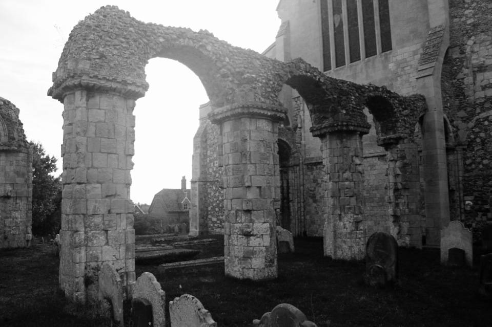 Spooky Orford church yard