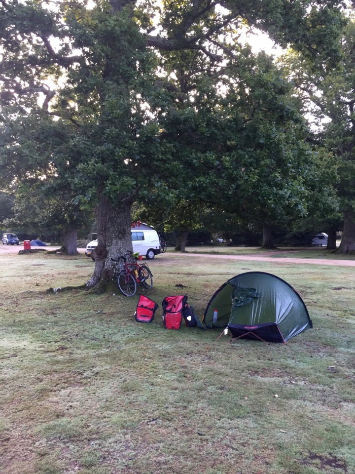 Early morning start in Ashurst, tent still damp